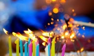 Resultado de imagen para soplar la vela de cumpleaños