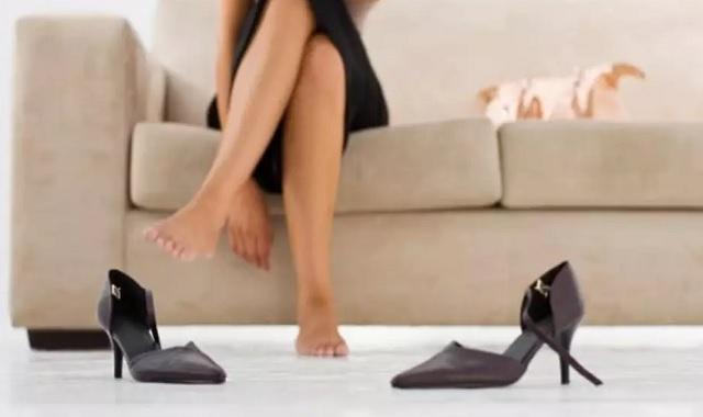 Consejos para estrenar zapatos sin dolor