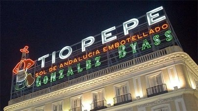 Campaña a favor del luminoso de Tío Pepe