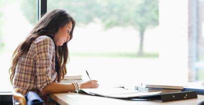 El 67% de los universitarios iberoamericanos estudian y trabajan
