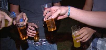 Los jóvenes españoles nos pasamos con el alcohol en verano