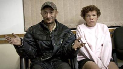 Dos indigentes devuelven 10.000 dólares que encontraron en una bolsa