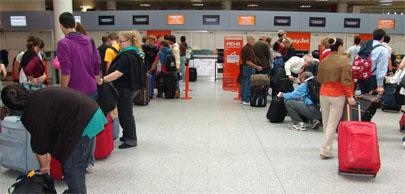 La crisis dispara la emigración de los españoles
