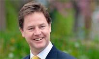 """El """"lo siento"""" del viceprimer ministro británico, éxito en la Red"""