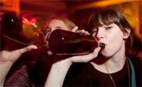 La mayoría de los padres son permisivos con el consumo de alcohol