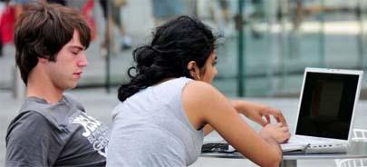 La mayoría de los jóvenes pasamos al menos 2 horas online