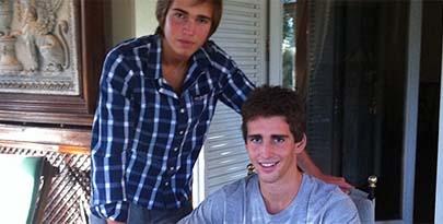 Dos jóvenes madrileños crean el eBay de los trabajos escolares