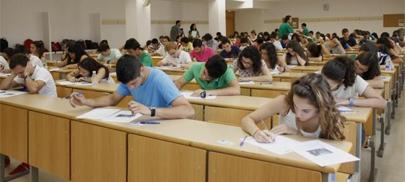 Más alumnos pero menos matriculaciones