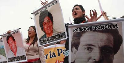Estudiantes peruanos contra el terrorismo