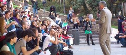 Clases al aire libre para reivindicar una universidad pública
