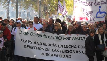 Miles de personas contra los recortes en Discapacidad