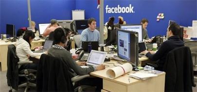 Los becarios de Facebook cobran más de 4.000 euros