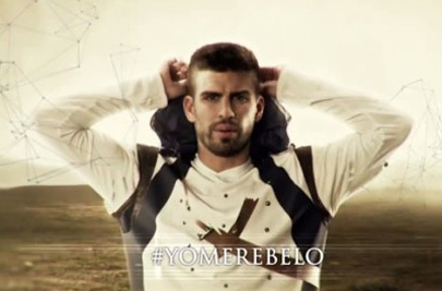 Ramos y Piqué anuncian 'Assassin's Creed III'