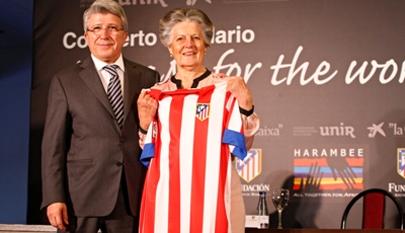 Atlético de Madrid fomenta la educación y el deporte entre niños africanos