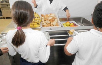 Una niña de 5 años en comisaría por no pagar el comedor escolar