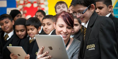 Un colegio abandona el papel y se pasa al iPad
