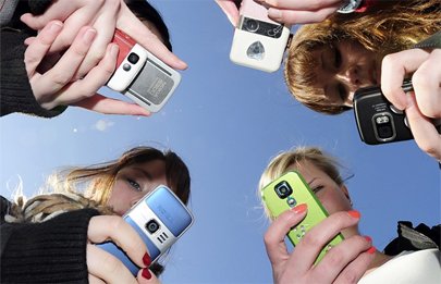 Los jóvenes no renunciarían a Internet en el móvil