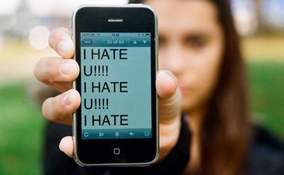 Un menor al día denuncia ser víctima de ciberbullying