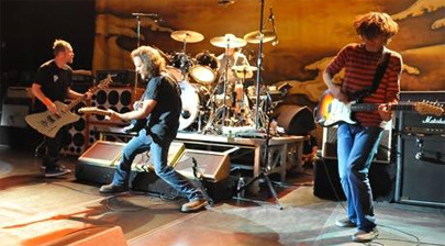 Miembros de Pearl Jam y Guns N' Roses crean una banda