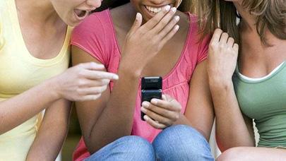 Sexting y gossiping, dos tendencias adolescentes peligrosas