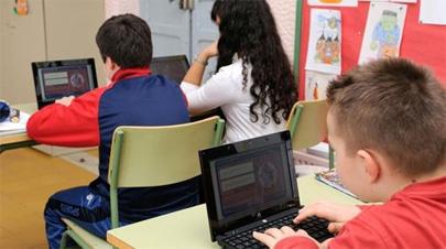 Los profes aprenden tecnología de sus alumnos