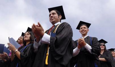 Graduados en Derecho demandan a universidades por crear falsas expectativas laborales