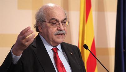 Universitarios catalanes deberán dominar una tercera lengua