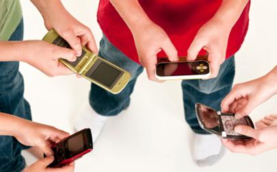 Un grupo de adolescentes experimenta una semana sin móvil