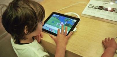 Una niña de 4 años, en terapia por su adicción al iPad
