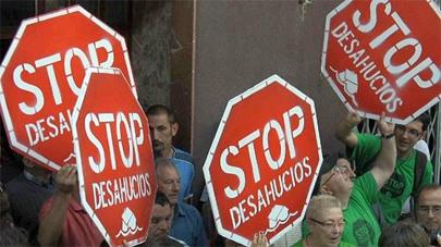 Estudiantes buscan reformas para evitar los desahucios
