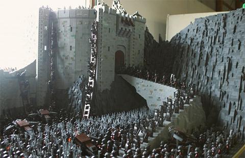 Recrean con piezas de Lego la batalla del filme 'Las dos torres'