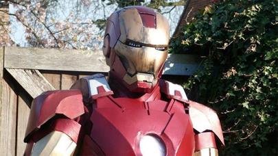 Joven de 17 años fabrica su propia armadura de Iron Man