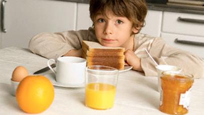 Reparto de comida para los niños andaluces desfavorecidos