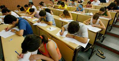 La Generalitat recomienda repetir el examen de Matemáticas
