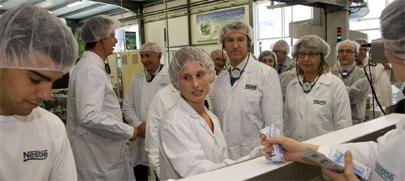 Nestlé ofrecerá trabajo a 20.000 jóvenes