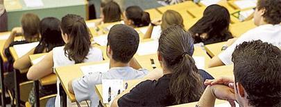 Miles de universitarios en riesgo de ser expulsados por impago