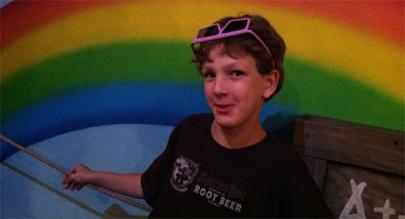Niño gay consigue que le retiren un premio a un político homófobo en EEUU