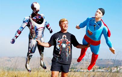 Diseñan superhéroes voladores teledirigidos