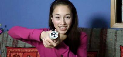 Adolescente inventa una linterna sin pilas