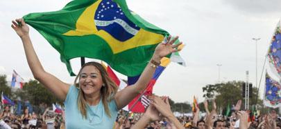 Jóvenes asistentes a la JMJ piden refugio en Brasil