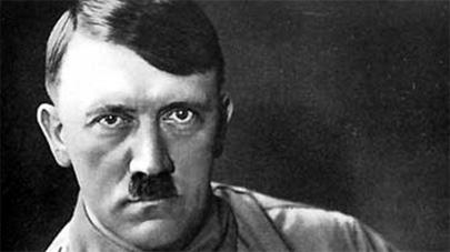 Estudiantes ruedan un polémico anuncio en el que se mata a Hitler