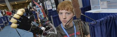 Adolescente imprime en 3D una prótesis robótica