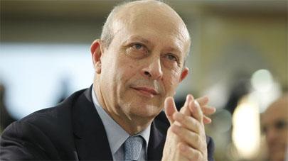 Wert anuncia un aumento del presupuesto de becas para 2013-2014