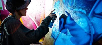 Inventa un maletín para hacer grafitis de incógnito