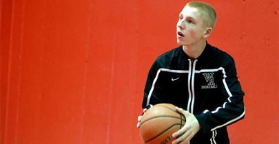 Un adolescente gana a las estrellas de la ACB