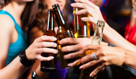Recrean un pub donde estudiar el comportamiento bajo los efectos del alcohol