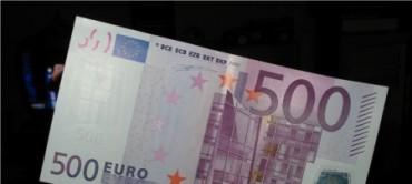 Joven reclama 500 euros mensuales a sus padres