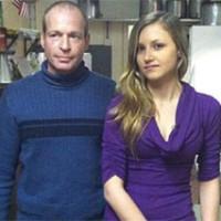 Vende su restaurante para salvar a su camarera de 19 años