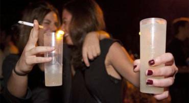 Publica fotos de su hija en el hospital para concienciar sobre los peligros del alcohol