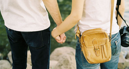 El 33% de los jóvenes considera aceptable controlar a su pareja